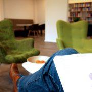Gedanken fliegen lassen in der Lounge im #projektraum42.