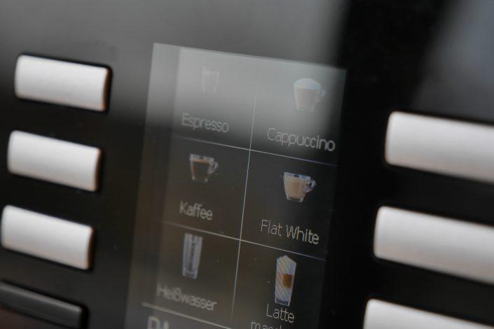 Die Kaffeemaschine im #projektraum42. Wichtig für die Cappuccino-Flatrate.