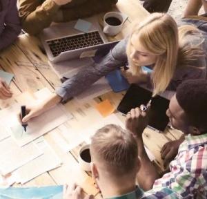 Mit Projekten ist mehr möglich, als man ahnt. | Projektteam in Arbeit